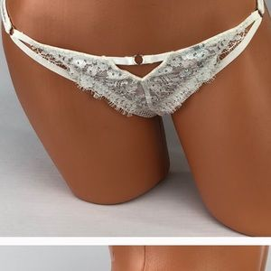 VS Limited Edition Ice Angels Thong Sz L